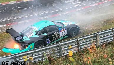 Espectacular accidente de un 911 en Nürburgring