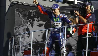 Carrera MotoGP Valencia 2016: final feliz para Lorenzo