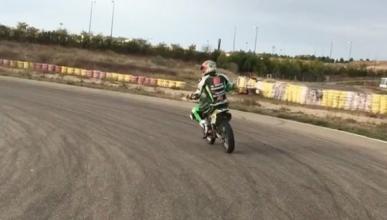 Kenny Noyes vuelve a subirse a una moto 16 meses después