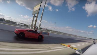 Drag Race: Dodge Challenger Hellcat vs Lamborghini Huracán
