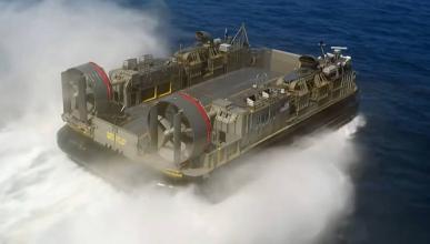 Vídeo: así domina Jay Leno 20.000 CV y 165 toneladas