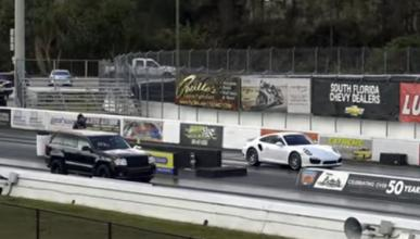 Un Jeep contra… ¿un Porsche 911 Turbo?