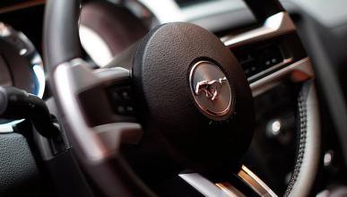Ford llama a revisión a 816.000 vehículos por los 'airbag'
