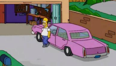 Descubren la marca del mítico coche rosa de los Simpson