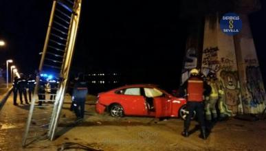 cae desde puente Sevilla positivo cocaína