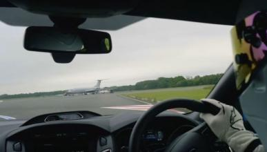 Vídeo: vuelta on board con The Stig en el Ford Focus RS