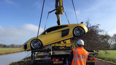 """El nuevo Audi R8 se da un """"chapuzón"""" en un río"""