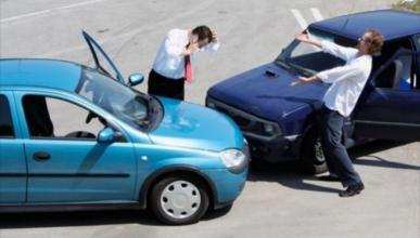 Malos conductores pagan menos por el seguro que los nóveles