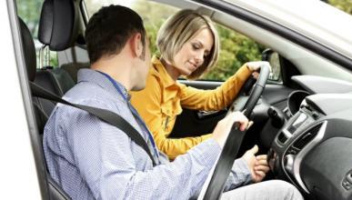 Conducción acompañada: qué es, dónde está permitida...