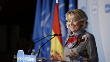 Esperanza Aguirre la vuelve a liar: para en un carril bus