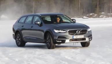 Vídeo: así se mueve el Volvo V90 Cross Contry sobre hielo