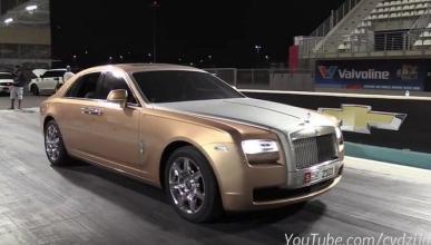 Así se las gasta en una Drag Race el Rolls-Royce Ghost