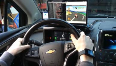 Vídeo: hackea su coche para jugar a Mario Kart