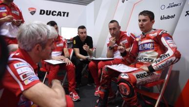 Jorge Lorenzo busca soluciones en el test privado de Ducati
