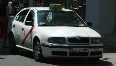 Así es la reventa ilegal de taxis en Madrid