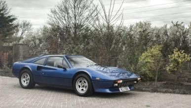 A subasta este raro Ferrari 308 GTS QV con motor V12
