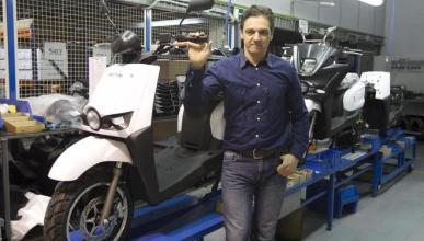 Scutum inaugura una nueva fábrica de scooters eléctricos