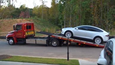 Cómo abrir las puertas del Tesla Model X en una emergencia