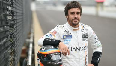 """Fernando Alonso: """"aún no llevo el coche, me lleva él a mí"""""""