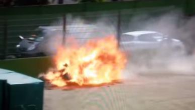 Vídeo: Espeluznante accidente de Eugene Laverty en Imola