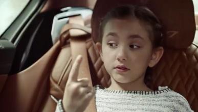 Un coche, una niña y un moco, ¿cómo terminará la historia?