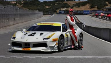 Michael Fassbender compite en la Ferrari Challenge Series