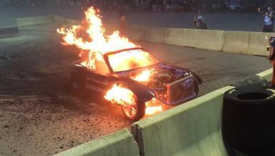 Vídeo: un Mazda MX-5 explota por culpa del conductor