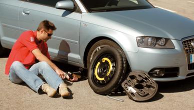 Qué hacer si sufres un pinchazo en carretera