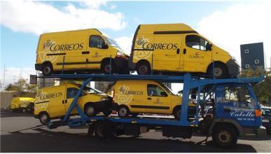 Motos, furgonetas y camiones de Correos salen a subasta