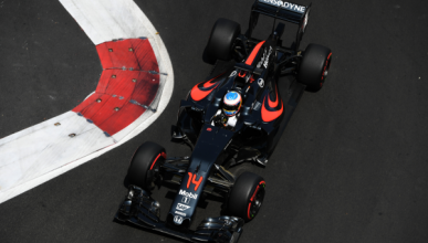 Alonso abandona para salvar el motor en Bakú
