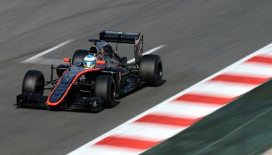 Alonso completa su mejor día de test. Ricciardo lidera
