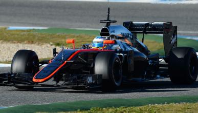 """Alonso: """"es un coche agresivo, tenemos mucho por descubrir"""""""