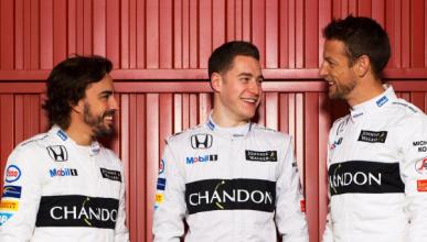 Alonso y Vandoorne, pilotos de McLaren en 2017