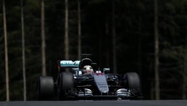 Clasificación GP Austria: Hamilton vuela bajo la lluvia
