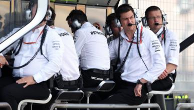 Ecclestone podría hacer negocio con la radio de los equipos