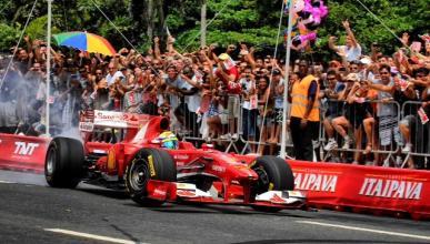 La exhibición de Ferrari en Brasil deja dos heridos