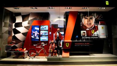 Fernando Alonso - Ferrari Store - Singapur