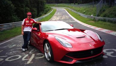 Fernando Alonso, en el viejo Nürburgring con un Ferrari F12