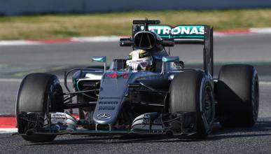 """Hamilton asusta: """"el coche parece mejor que el de 2015"""""""
