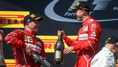 Kimi Raikkonen y Sebastian Vettel, en el podio de Hungría