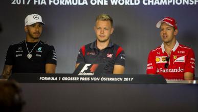 Lewis Hamilton, Kevin Magnussen y Sebastian Vettel en rueda de prensa en el GP de Austria