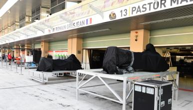 Lotus llega tarde a Abu Dhabi y Ecclestone paga la factura