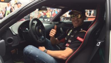 Pastor Maldonado recibe un Lotus Evora S