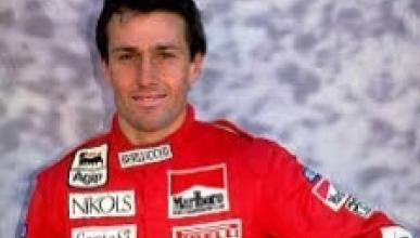 El piloto de F1 Andrea de Cesaris en un accidente de moto