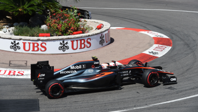 Los primeros puntos de McLaren, en el sexto GP de 2015