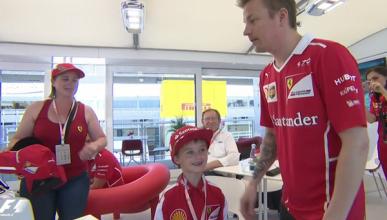 Räikkönen se reúne con el niño que lloró por su abandono