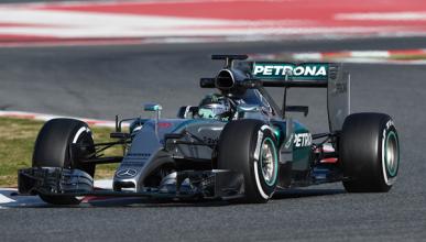 Rosberg lidera en Barcelona, McLaren supera las 100 vueltas