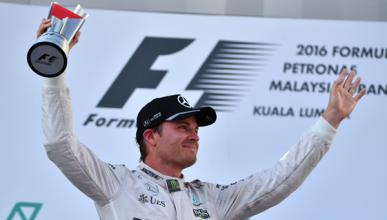 """Rosberg: """"Mercedes debe considerar a Alonso para 2018"""""""