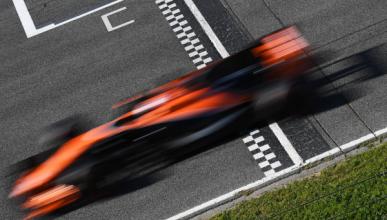 Test F1 2017, día 3: Alonso rueda, Mercedes lidera