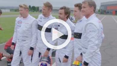 Vídeo: Alonso reta a Häkkinen, Coulthard y Button en karts